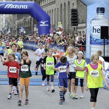 087 09 2013 , Hamburg, 24. Internationaler Alsterlauf, ... ....... Sch¸lerlauf